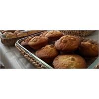 Damla Çikolata Ve Fındıklı Muffin