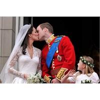 İngiliz Kraliyet Ailesinin Soyadı