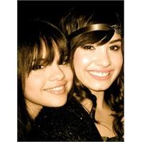 Selena Gomez, Demi'nin Dostluğunu Hak Etmiyor
