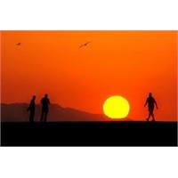 Güneşi Beklerken