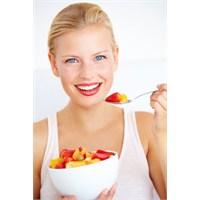 Dişlerinizi Beyazlatan Yiyecekler