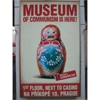 Uçan Süpürge / Prag Komünizm Müzesi