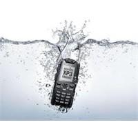 Suya Düşen Telefonu Kurtarmanın Sihirli Yöntemi!