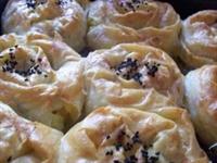Resimlerle Ispanaklı Gül Böreği