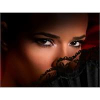 Etkileyici Kadının Sırları