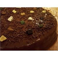 Çikolatalı Kolay Pasta