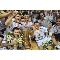 3 Kupa Tek Şampiyon: Beşiktaş