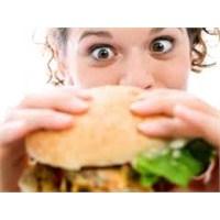 Yalnız Yaşayanların En Büyük Beslenme Yanlışları