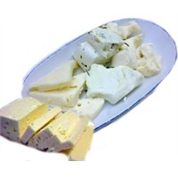 Farklı Lezzette Ev Peyniri