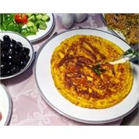 Yeni Yılın İlk Kahvaltısına Leziz Bir Omlet Tarifi