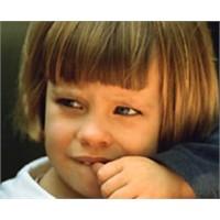 Çocuklar Neden Tırnaklarını Yiyor?