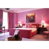 Pembe Renk Yatak Odası Dekorasyonu Örnekleri
