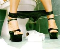 Kadınlar Tuvaletinde Olay Var!