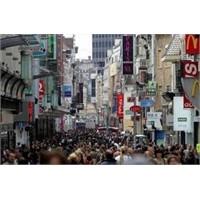 Brüksel'in En Ünlü Alışveriş Caddesi Rue Neuve