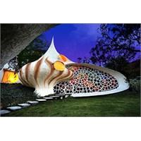 Salyangoz Ev – (Nautilus House)
