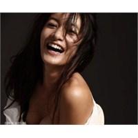 Stresi Azaltmak İçin Sürekli Kahkaha Atın