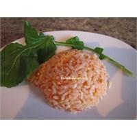 Domates Soslu Pirinç Pilavı
