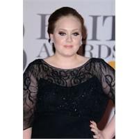 """Şarkıcı Adele, """"Sıfır Beden"""" Dayatmasına Karşı"""