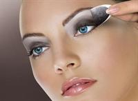 Göz Makyajında Hızlı Yöntem Ve Püf Noktaları