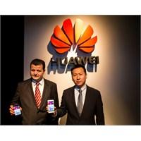 Huawei Ascend P6 Türkiye'de Vodafone'da