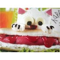 Sosisli Kedi Sandviç