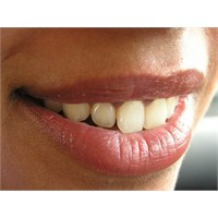 Diş Eti Hastalıklarından Korunun
