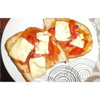 Trabzon Ekmeğiyle Pizza