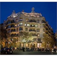 Gaudi'nin Ustalık Eseri - La Pedrara (Casa Mila)