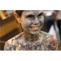 Bu Kadını Daha Ne Kadar 'dövme'li?