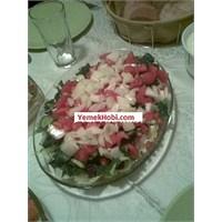 Kolay Ispanak Salatası Tarifi