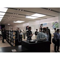 """2001"" Steve Jobs İlk Apple Store'da-video"