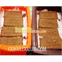 Oktay Usta'dan Çilekli Bisküvili Pasta