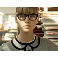 Gözlük Kullananlar İçin Makyaj Tavsiyeleri