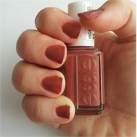 Denedim: Essie Oje No:24-in Stitches