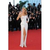 Heidi Klum Beyaz Versace İçinde!