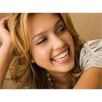 Gülümsemenin Her Yönden Faydaları