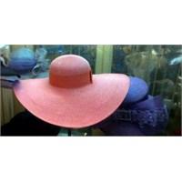 Madam Katia'nın Şapkaları