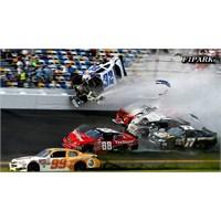 Nascar Açılışı Daytona 500 Kazananı Jimmie Johnson
