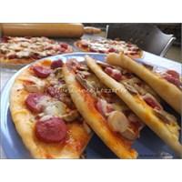 Mayasız Hamurla Çıtır Çıtır Pizza Yapımı