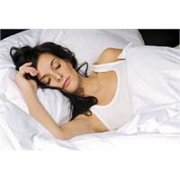 Bu Sıcak Günlerde Ne Yapmalı Ve Nasıl Uyumalıyız