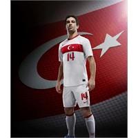 Türkiye 2012-13 Milli Takım Forması