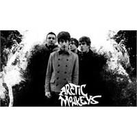 """Yeni Şarkı: Arctic Monkeys """"2013"""""""