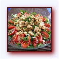 Rokalı Tavuk Salatası Tarifi