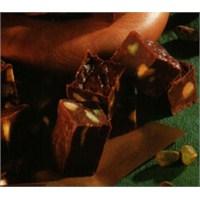 Çikolatalı Ve Marshmallow'lu Fudge