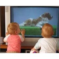 Çocuk Kaç Yaşında Tek Başına Tv İzleyebilir?