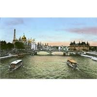 Paris'i İkiye Bölen Ünlü Seine Nehri