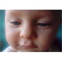 Bebek Yalnız Karnı Acıkınca Ağlamaz