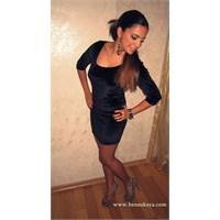 Kombin Önerileri 56 : Kadife Siyah Elbise !
