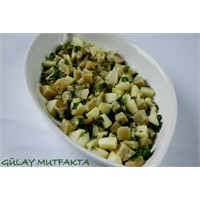 Yeşil Elmalı Enginar Salatası