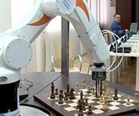 Dünyanın İlk Robot Satranç Ustası Üretildi